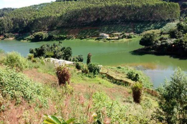 Chácara 11.500m² com platô Represa Rio Bonito Sta Ma Jetibá ES